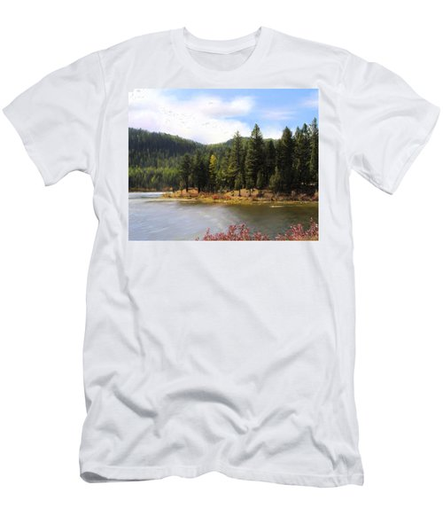Salmon Lake Montana Men's T-Shirt (Slim Fit)