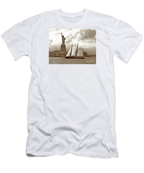 Schooner At Statue Of Liberty Twurl Men's T-Shirt (Athletic Fit)