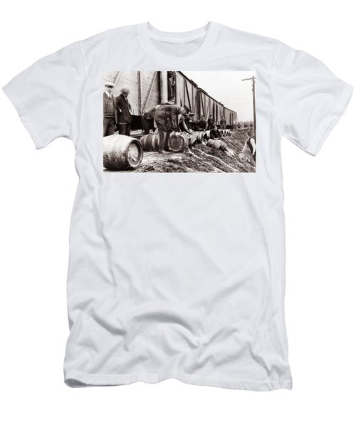Scranton Police Dumping Beer During Prohibition  Scranton Pa 1920 To 1933 Men's T-Shirt (Athletic Fit)