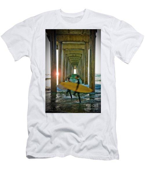 Scripps Pier Surfers Men's T-Shirt (Athletic Fit)