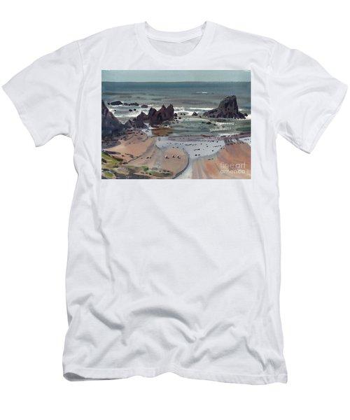 Seal Rock Oregon Men's T-Shirt (Slim Fit) by Donald Maier