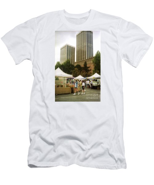 Sf Embarcadero Center Farmer Mkt Men's T-Shirt (Athletic Fit)