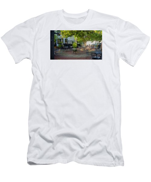 Shady Outdoor Dining Men's T-Shirt (Athletic Fit)
