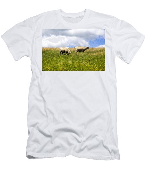 Sheep In New Zealand Men's T-Shirt (Athletic Fit)