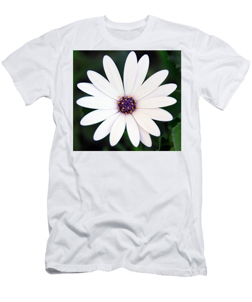 Single White Daisy Macro Men's T-Shirt (Athletic Fit)