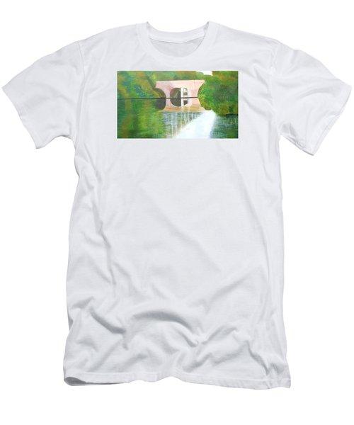 Sonning Bridge In Autumn Men's T-Shirt (Slim Fit) by Joanne Perkins