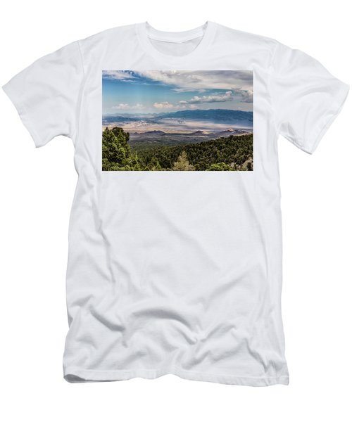 Spring Mountains Desert View Men's T-Shirt (Athletic Fit)