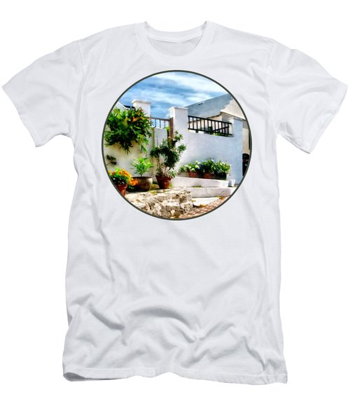 St George Bermuda - Sunny Street Men's T-Shirt (Athletic Fit)