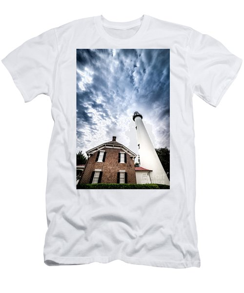 St Simons Lighthouse Men's T-Shirt (Athletic Fit)