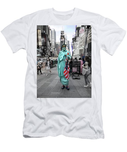 Statue Of Liberty Guy Men's T-Shirt (Athletic Fit)