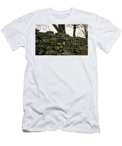 Stone Wall, Colt State Park Men's T-Shirt (Slim Fit) by Nancy De Flon