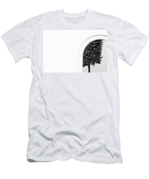St.petersburg  #7906 Men's T-Shirt (Athletic Fit)