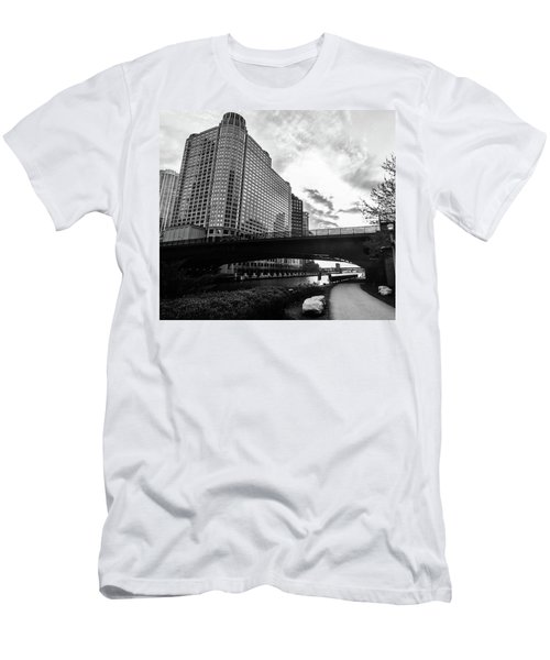 Strolling In The Chi Men's T-Shirt (Athletic Fit)