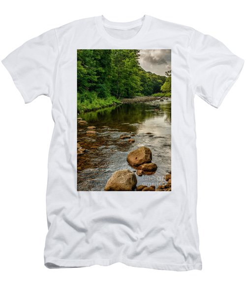 Summer Morning Williams River Men's T-Shirt (Athletic Fit)