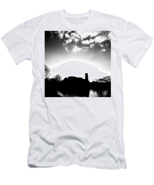 Sunset Over The Royal Shakespeare Company. Men's T-Shirt (Athletic Fit)
