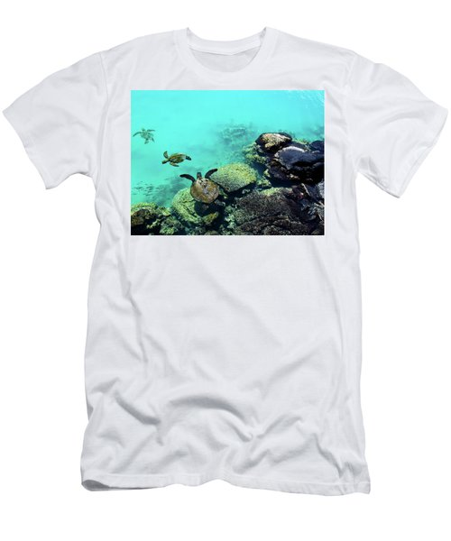 Swimming Honu Men's T-Shirt (Athletic Fit)