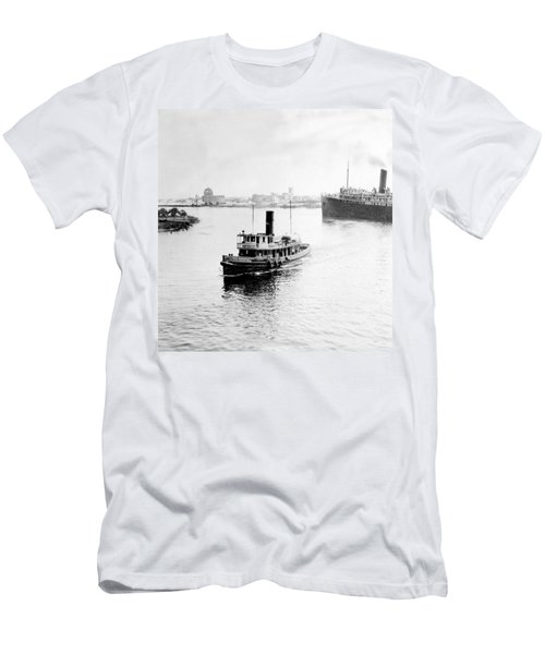 Tampa Florida - Harbor - C 1926 Men's T-Shirt (Athletic Fit)