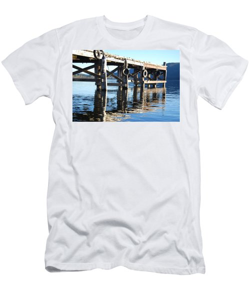 Te Anau Pier Men's T-Shirt (Athletic Fit)