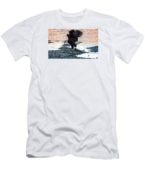 The Catch Men's T-Shirt (Slim Fit) by Sabine Edrissi