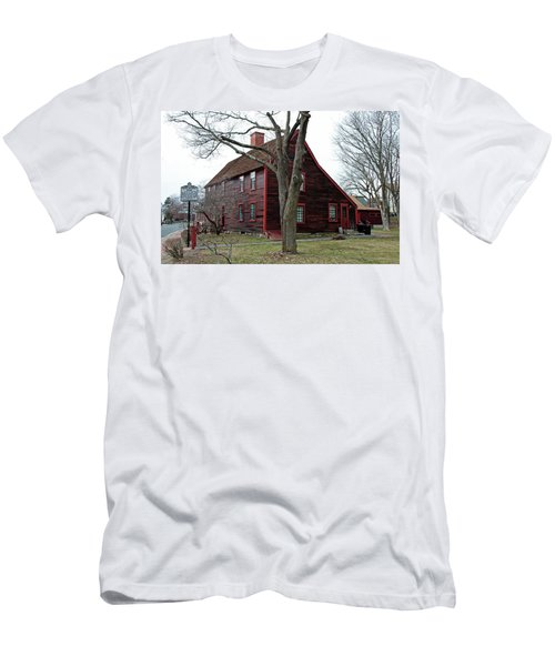 The Deane Winthrop House Men's T-Shirt (Athletic Fit)