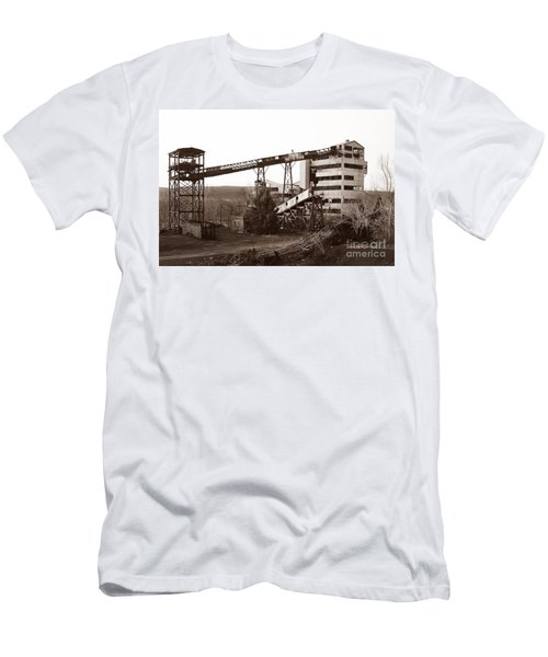 The Dorrance Coal Breaker Wilkes Barre Pennsylvania 1983 Men's T-Shirt (Athletic Fit)