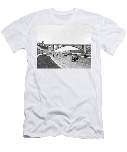 The Harlem River Speedway Men's T-Shirt (Slim Fit) by William Henry jackson