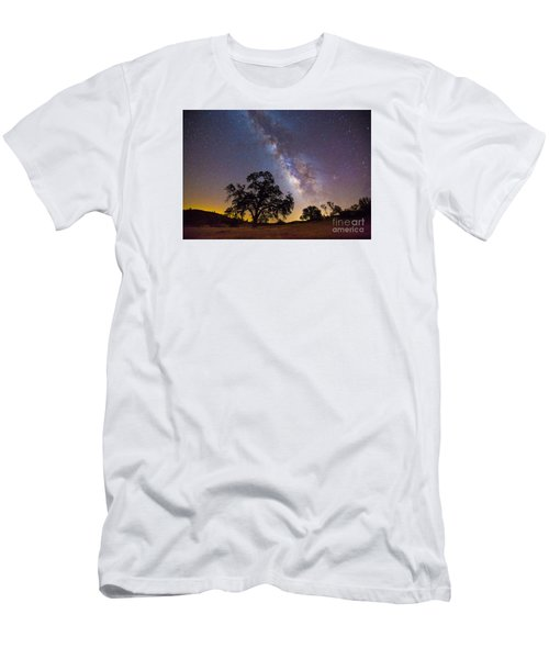 The Milky Way And Perseids Men's T-Shirt (Athletic Fit)