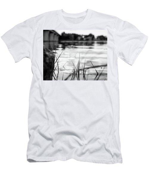 River Men's T-Shirt (Athletic Fit)