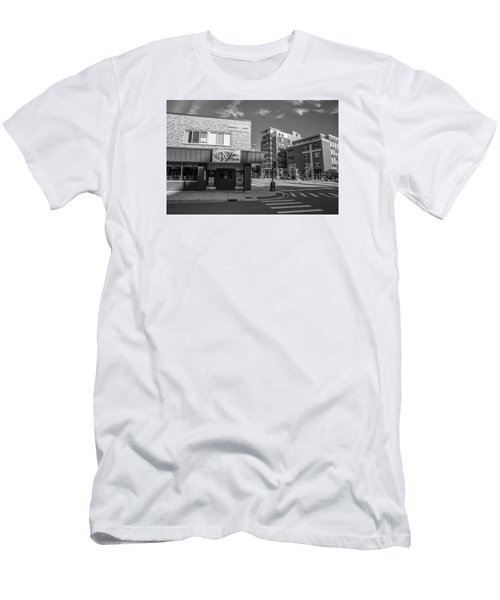 The Riv Ion Black And White Men's T-Shirt (Athletic Fit)
