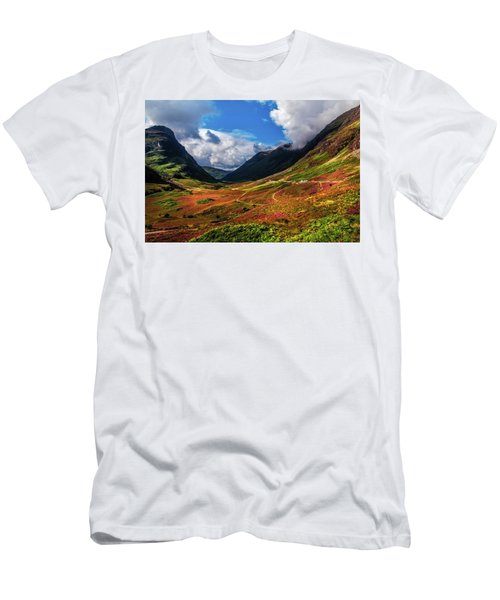 The Valley Of Three Sisters. Glencoe. Scotland Men's T-Shirt (Athletic Fit)