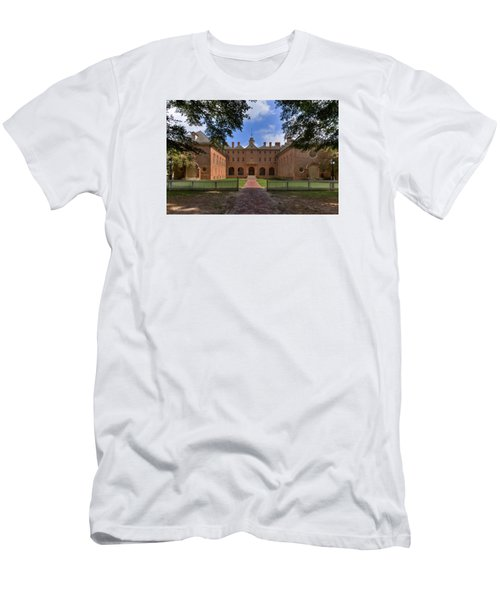 Men's T-Shirt (Slim Fit) featuring the photograph The Wren Building At William And Mary by Jerry Gammon