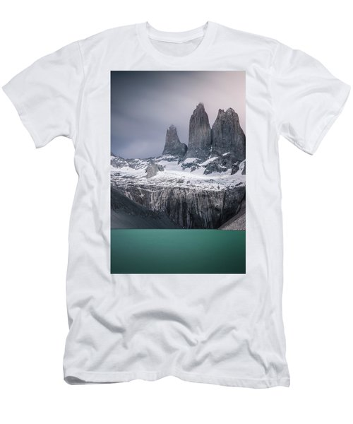 Three Giants Men's T-Shirt (Athletic Fit)