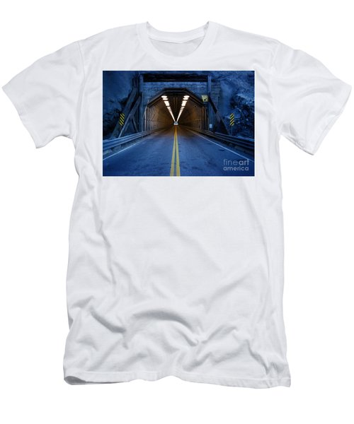 Tunnel Near Ential Washington Men's T-Shirt (Athletic Fit)