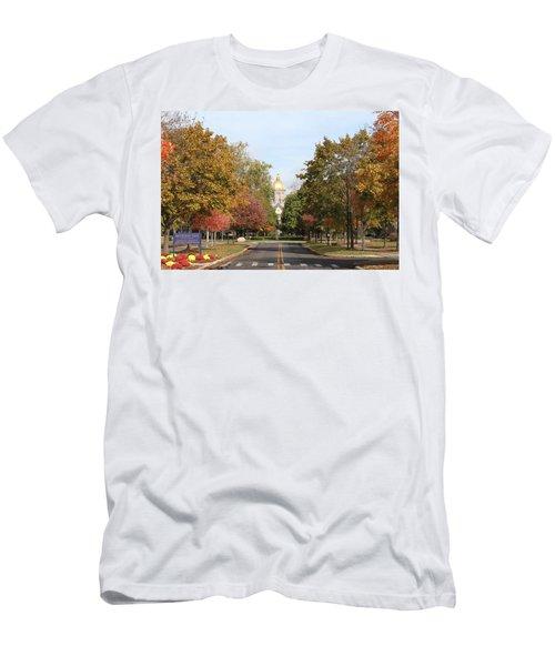 University Of Notre Dame Men's T-Shirt (Athletic Fit)