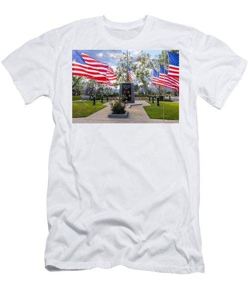 Veterans Monument Camarillo California Usa Men's T-Shirt (Athletic Fit)