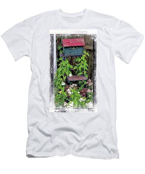 Vintage Bird House Men's T-Shirt (Athletic Fit)