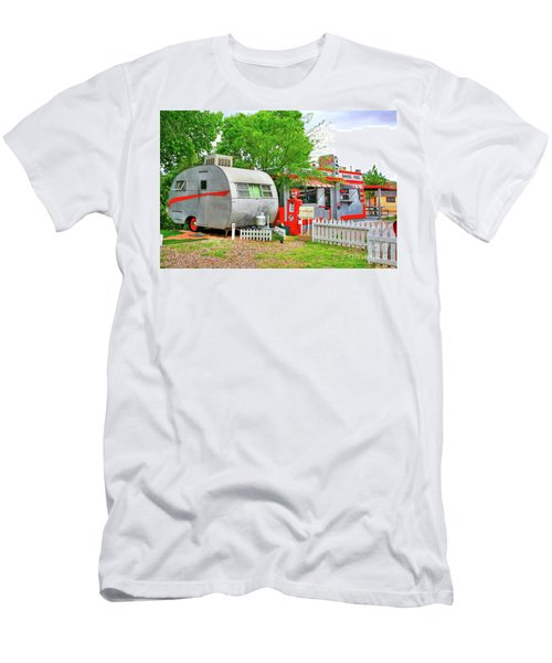 Vintage Trailer And Diner In Bisbee Arizona Men's T-Shirt (Athletic Fit)