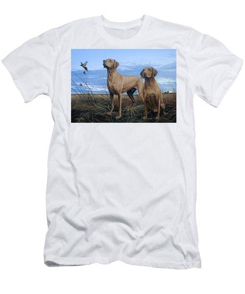 Vizslas Men's T-Shirt (Athletic Fit)