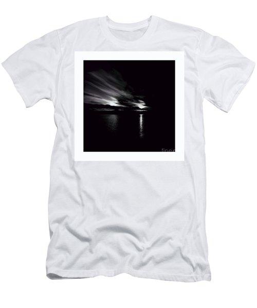 Welcome Beach Night Sky Men's T-Shirt (Slim Fit) by Elaine Hunter