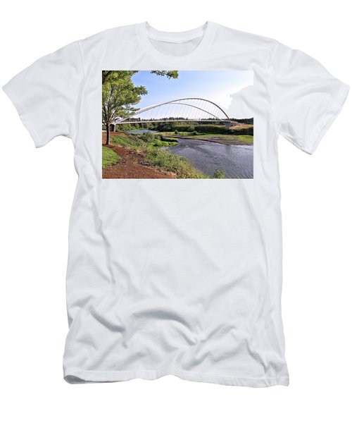 Willamette Pedestrian Bridge Men's T-Shirt (Athletic Fit)