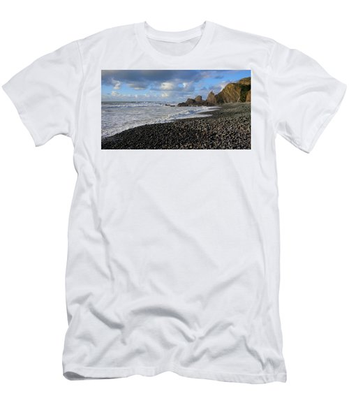 Winter At Sandymouth Men's T-Shirt (Slim Fit) by Richard Brookes