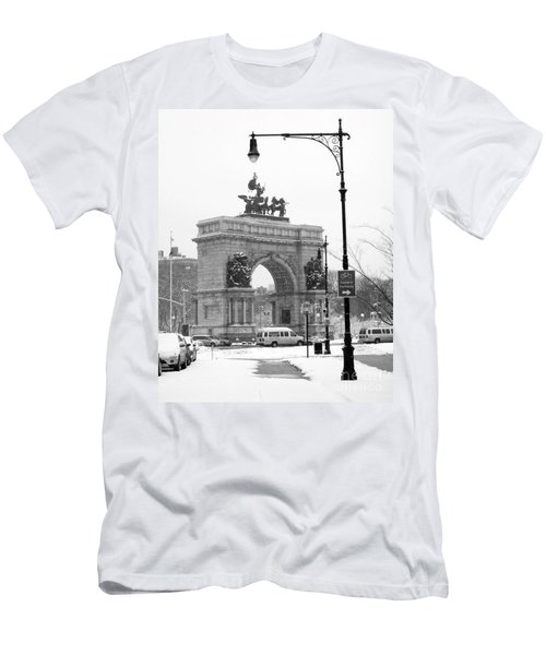 Winter Grand Army Plaza Men's T-Shirt (Athletic Fit)