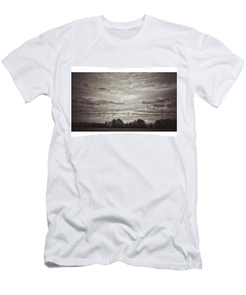 Wolken über Mir  #wolken #cloudscape Men's T-Shirt (Athletic Fit)
