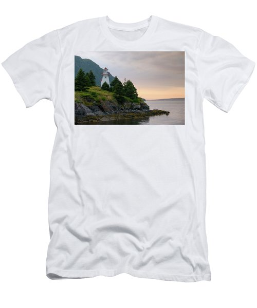 Woody Point Lighthouse - Bonne Bay Newfoundland At Sunset Men's T-Shirt (Athletic Fit)
