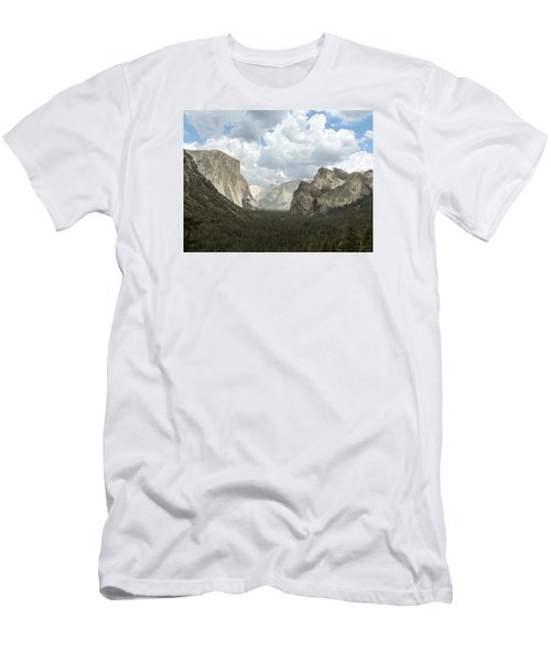 Yosemite Valley Yosemite National Park Men's T-Shirt (Athletic Fit)