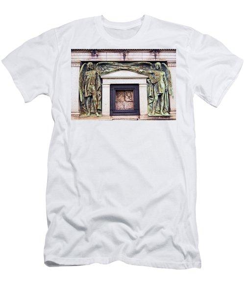 18/09/13 Glasgow. The Necropolis, Double Angels. Men's T-Shirt (Athletic Fit)
