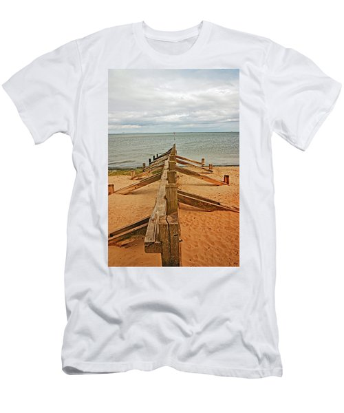 19/08/13 Edinburgh, Poetobello. The Shore And Groynes. Men's T-Shirt (Athletic Fit)