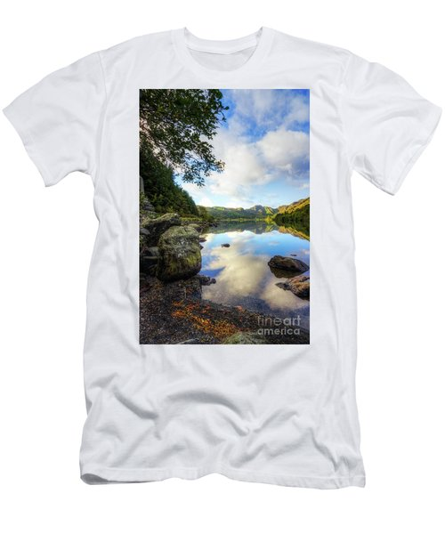 Llyn Crafnant Men's T-Shirt (Athletic Fit)