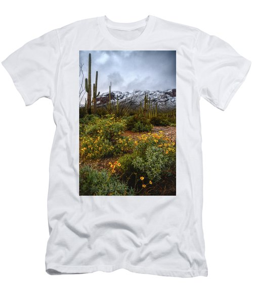 Arizona Flowers And Snow Men's T-Shirt (Athletic Fit)