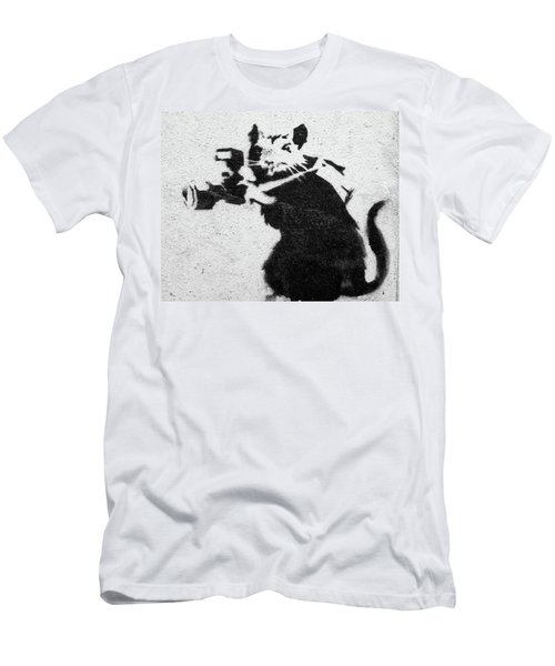 Banksy Rat With Camera Men's T-Shirt (Athletic Fit)